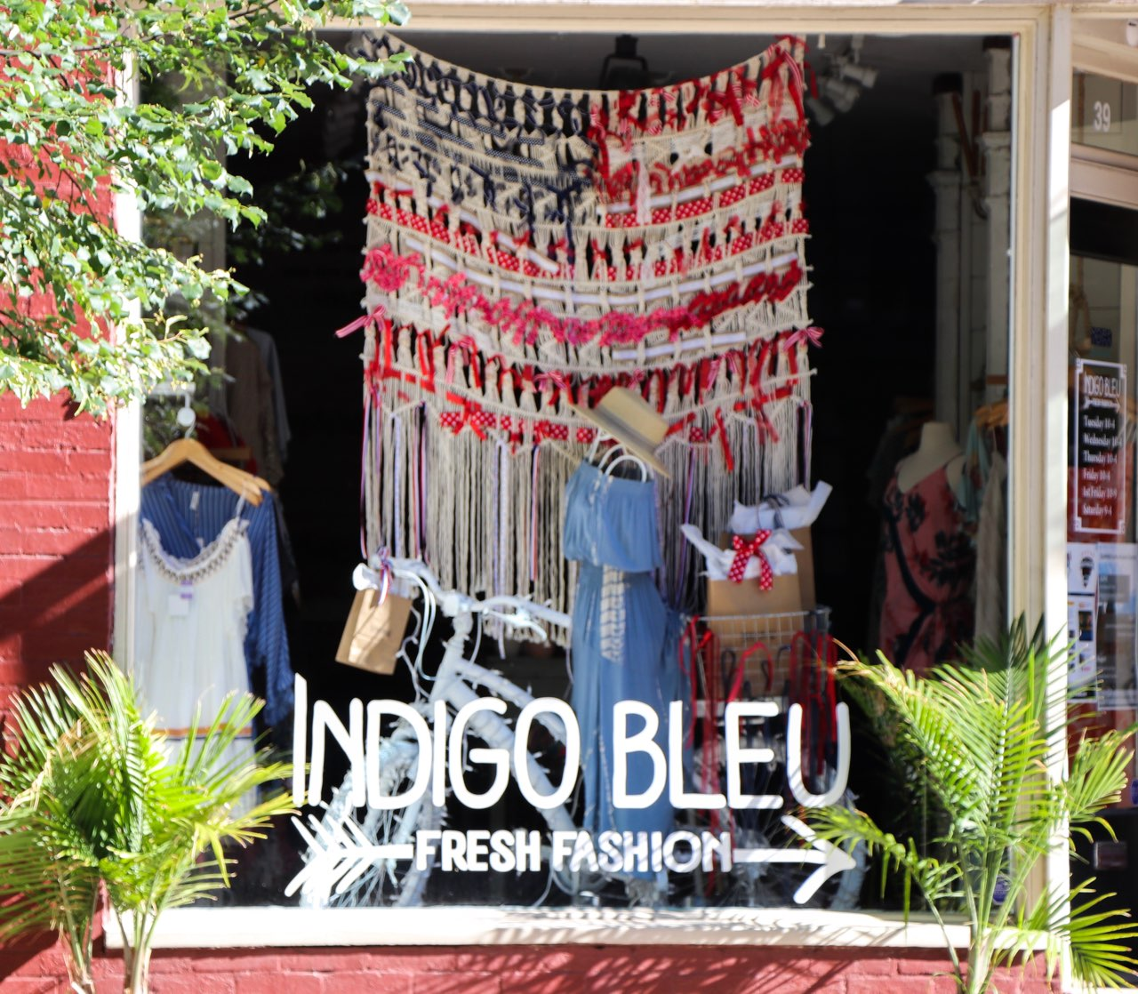 PATRIOTIC WINDOW DISPLAY AT INDIGO BLEU