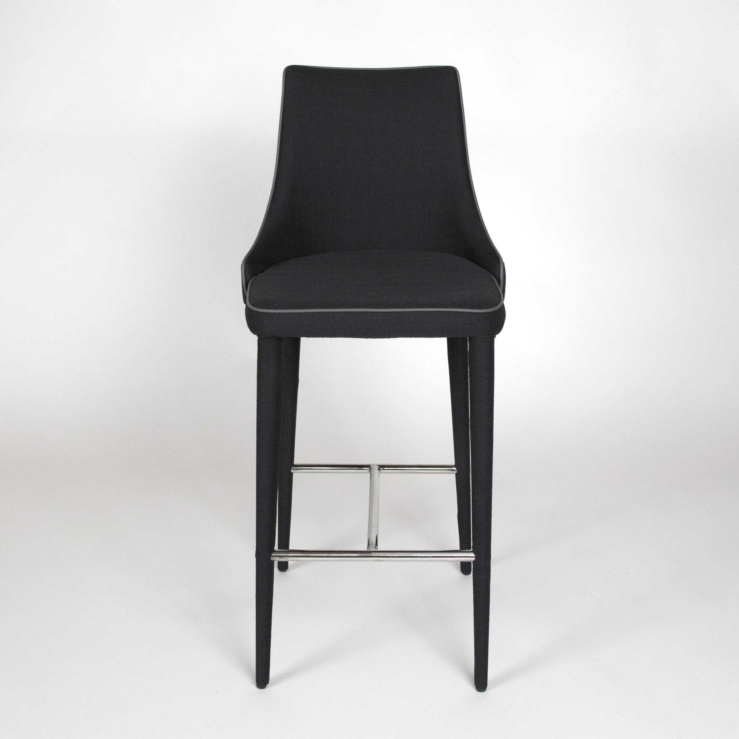 fusion dining table black straight_RGB.jpg