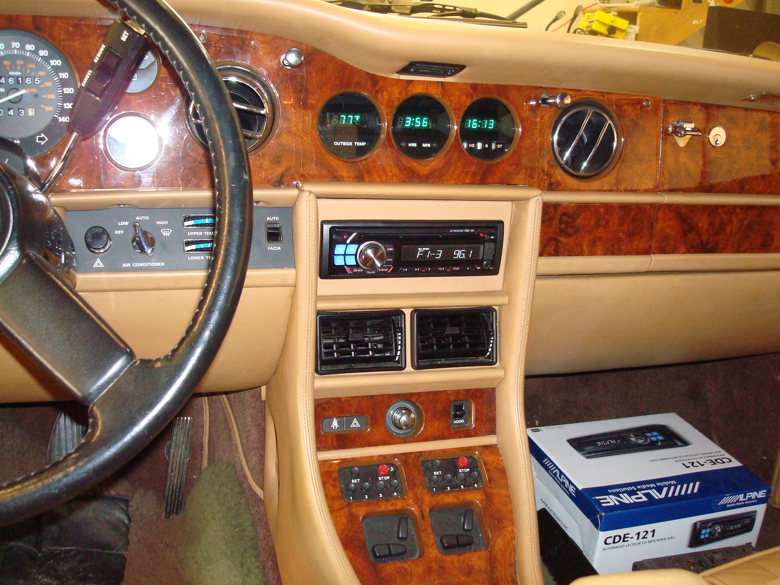 1986 Rolls Royce - Alpine Radio Installation with Leather Wrapped Faceplate
