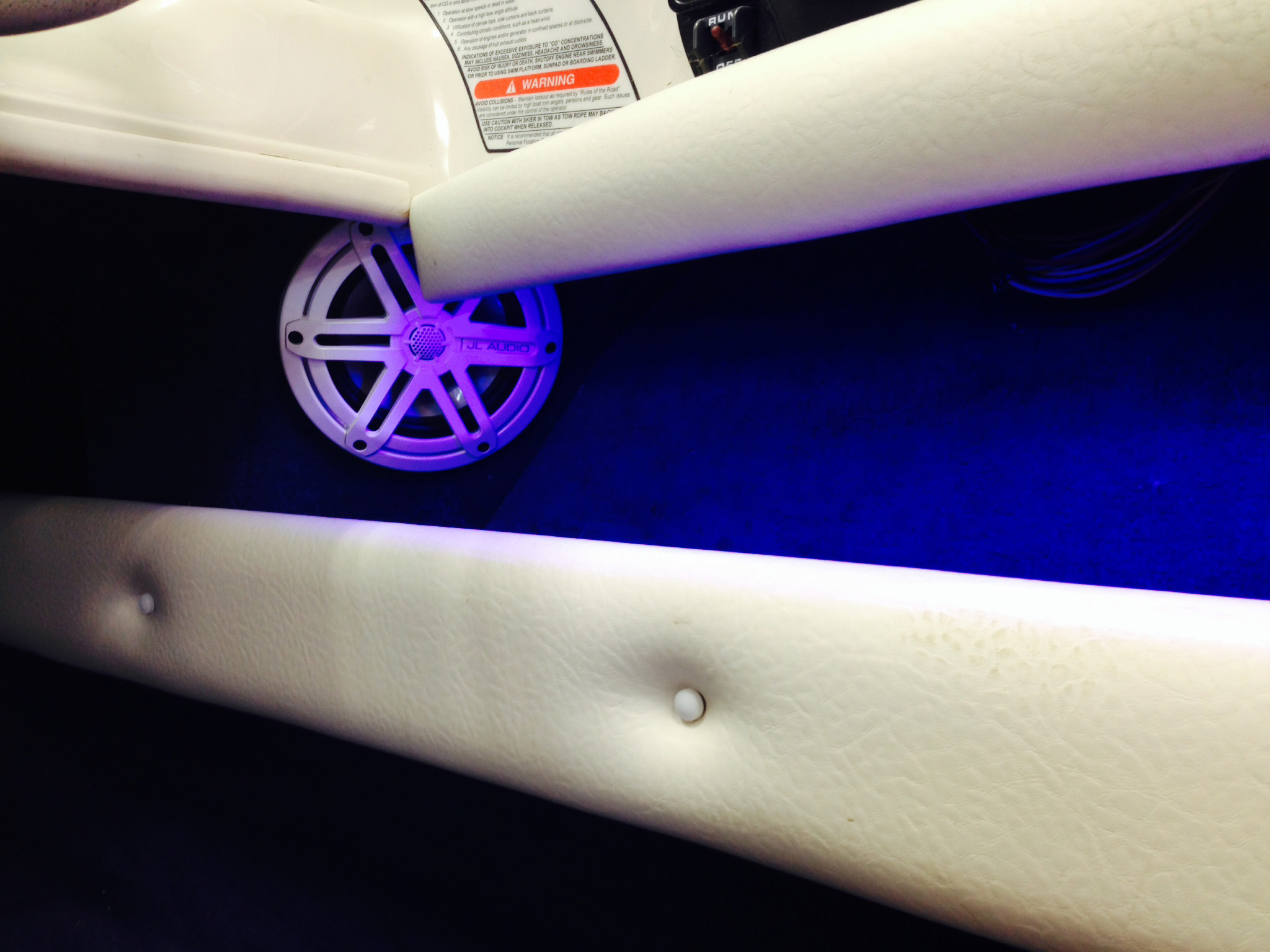 99 SeaRay - Interior LED Lighting & JL Audio MX-650 Speakers