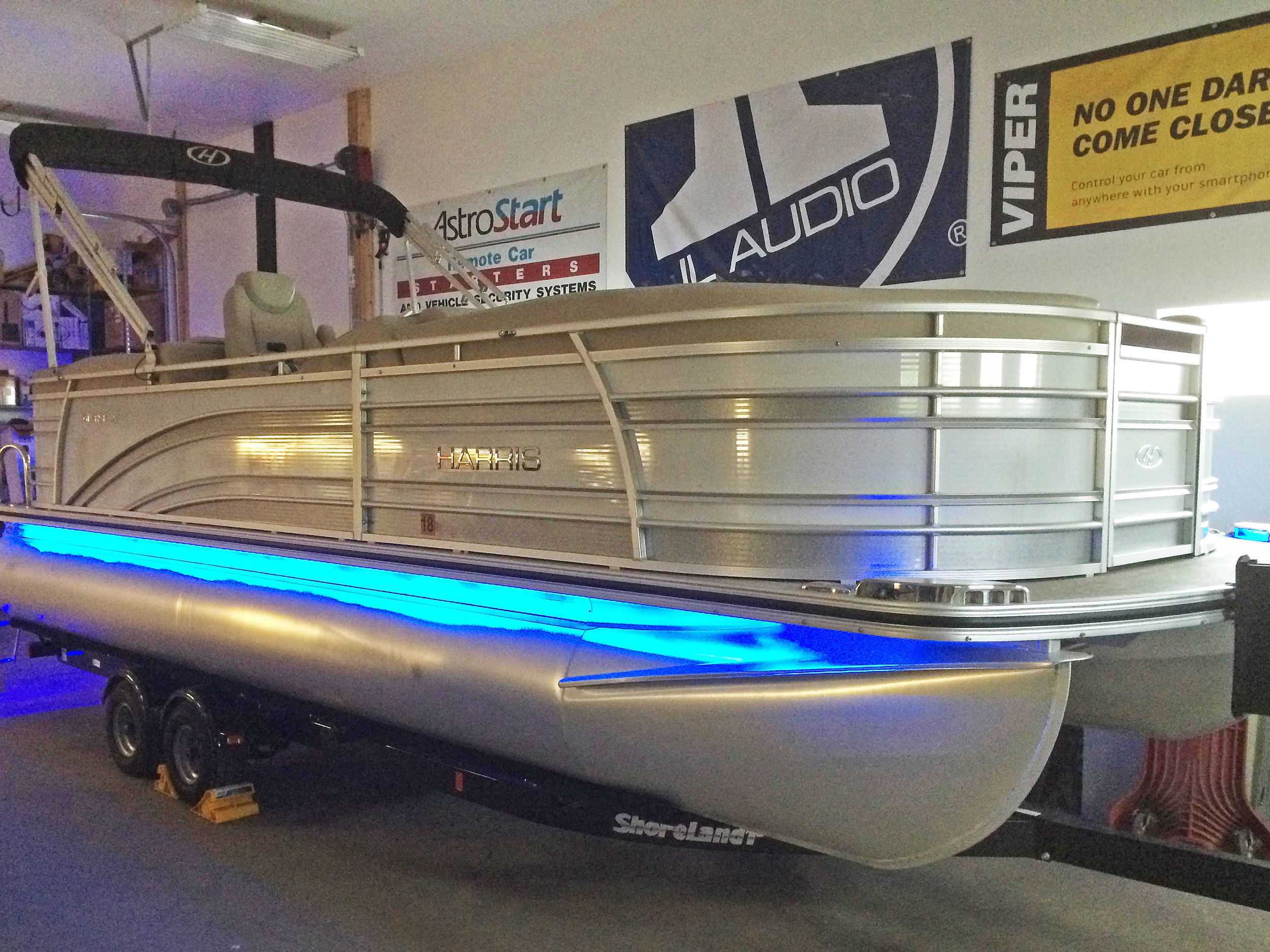 2016 Harris Solstice Pontoon