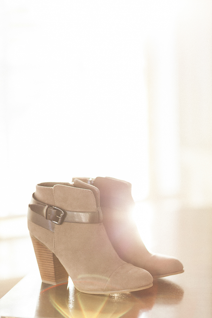 fall-shoe-trends-ankle-boots-off-broadway-shoes-carlos-santana- free-people-romper-7