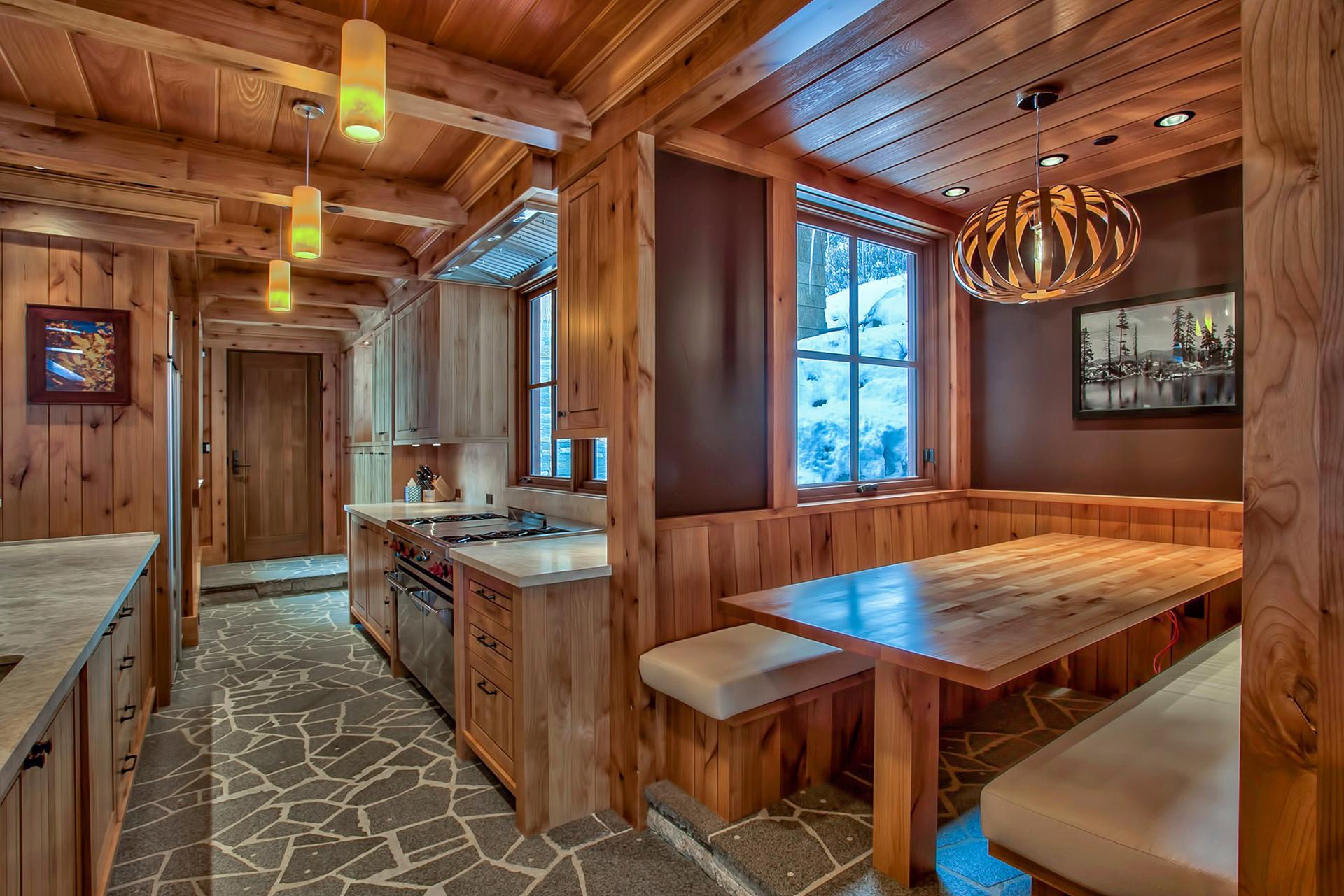 Pole Creek Lodge - 5 Bedroom Home