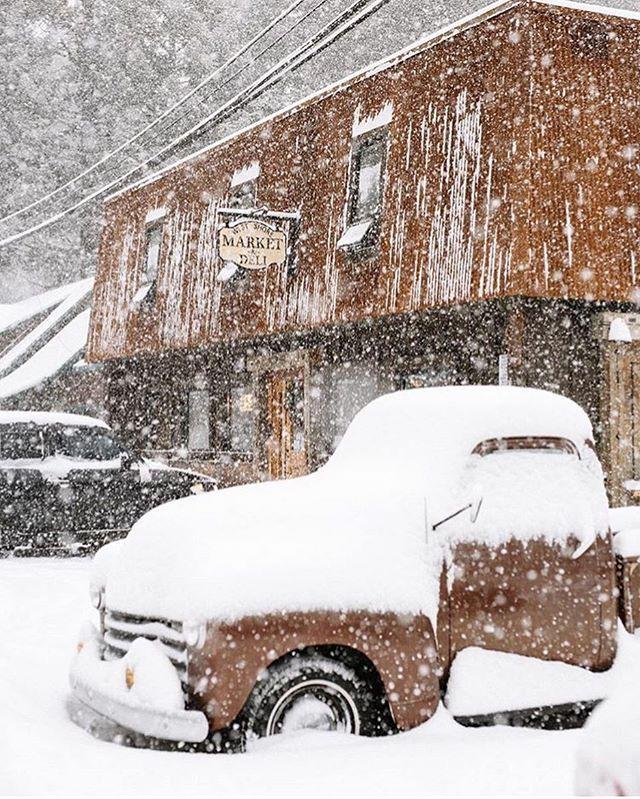 SNOW DAY ❄ The scene over at our neighbors @westshoremarket!!! #westshorebestshore #tahoe #snow #wanderlust #travel #comevisit