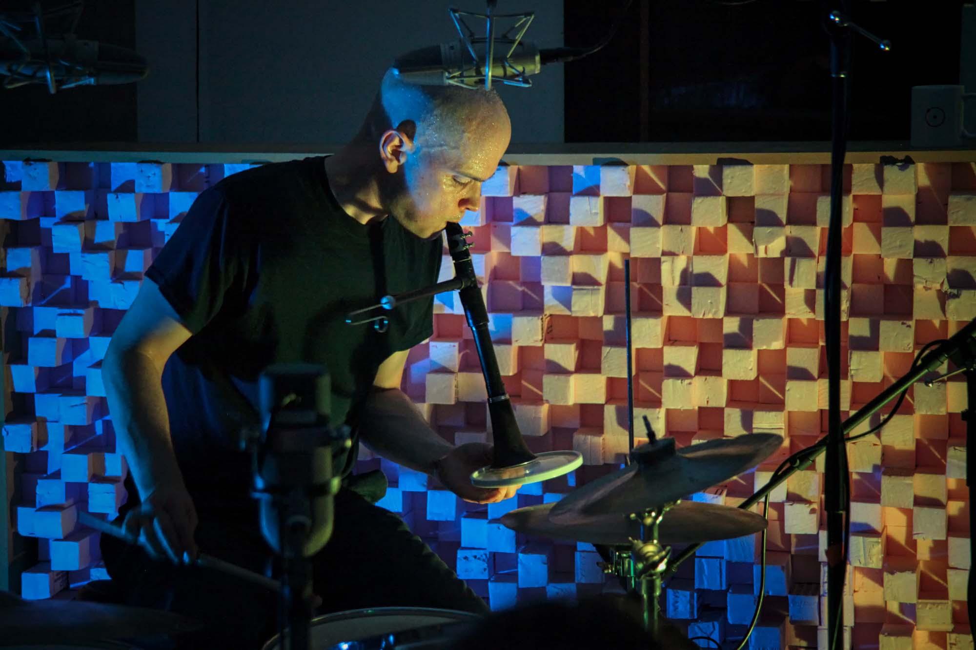 Chris Corsano. Experimental Sound Studio, Chicago, 2016.