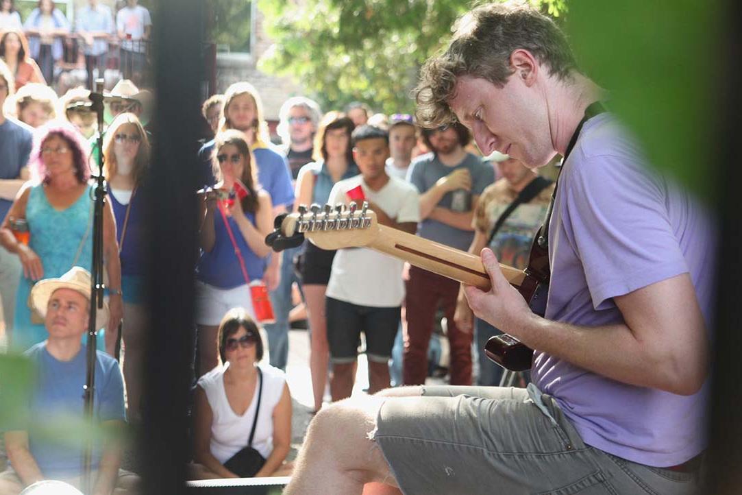 Shane Parish of Aleuchatistas. Experimental Sound Studio, Chicago, 2014.