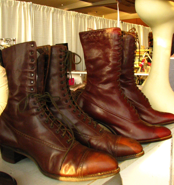 toronto_vintage_clothing_show_shoes.jpg