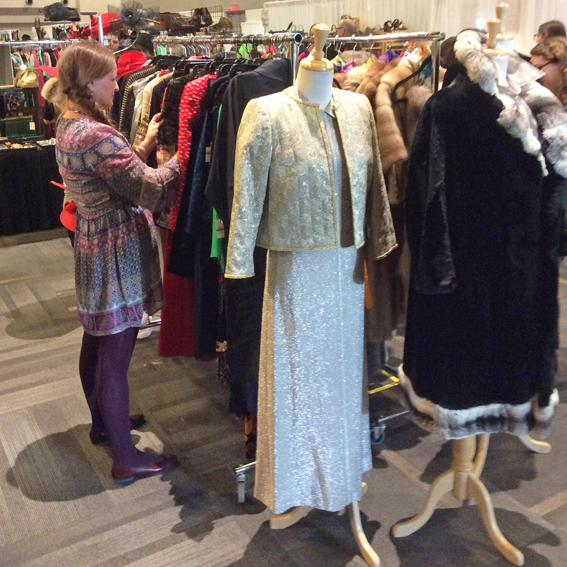 Toronto-vintage-clothing-show-racks.jpg