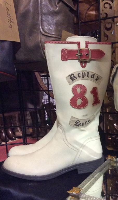 Toronto-vintage-clothing-show-white-boots.jpg