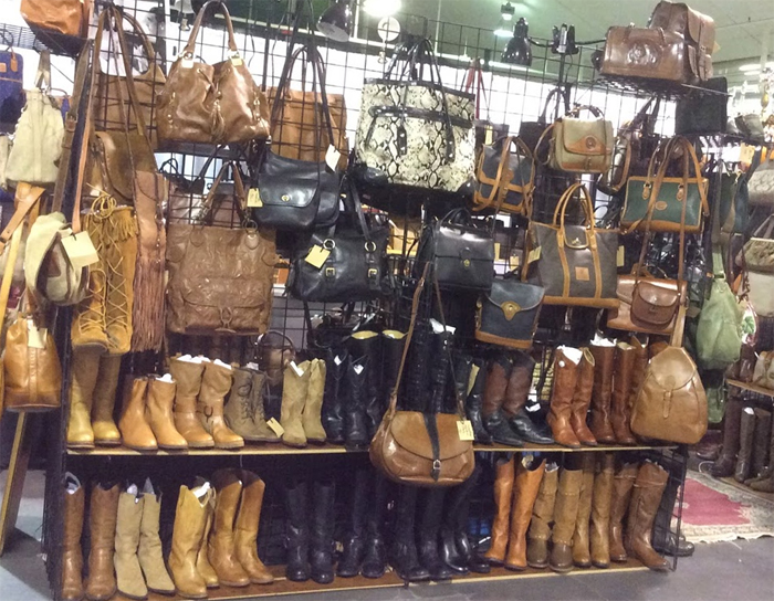 Toronto-vintage-clothing-show-booth_handbag-booth.jpg