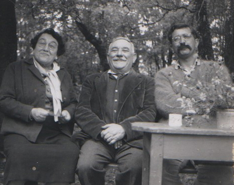 This previously unpublished photograph shows Len Deighton (right) in 1961 with the French couple who owned the isolated cottage he rented in the Dordogne where he completed The IPCRESS File.  © Len Deighton. No reproduction without permission. Sourced by Edward Milward-Oliver.