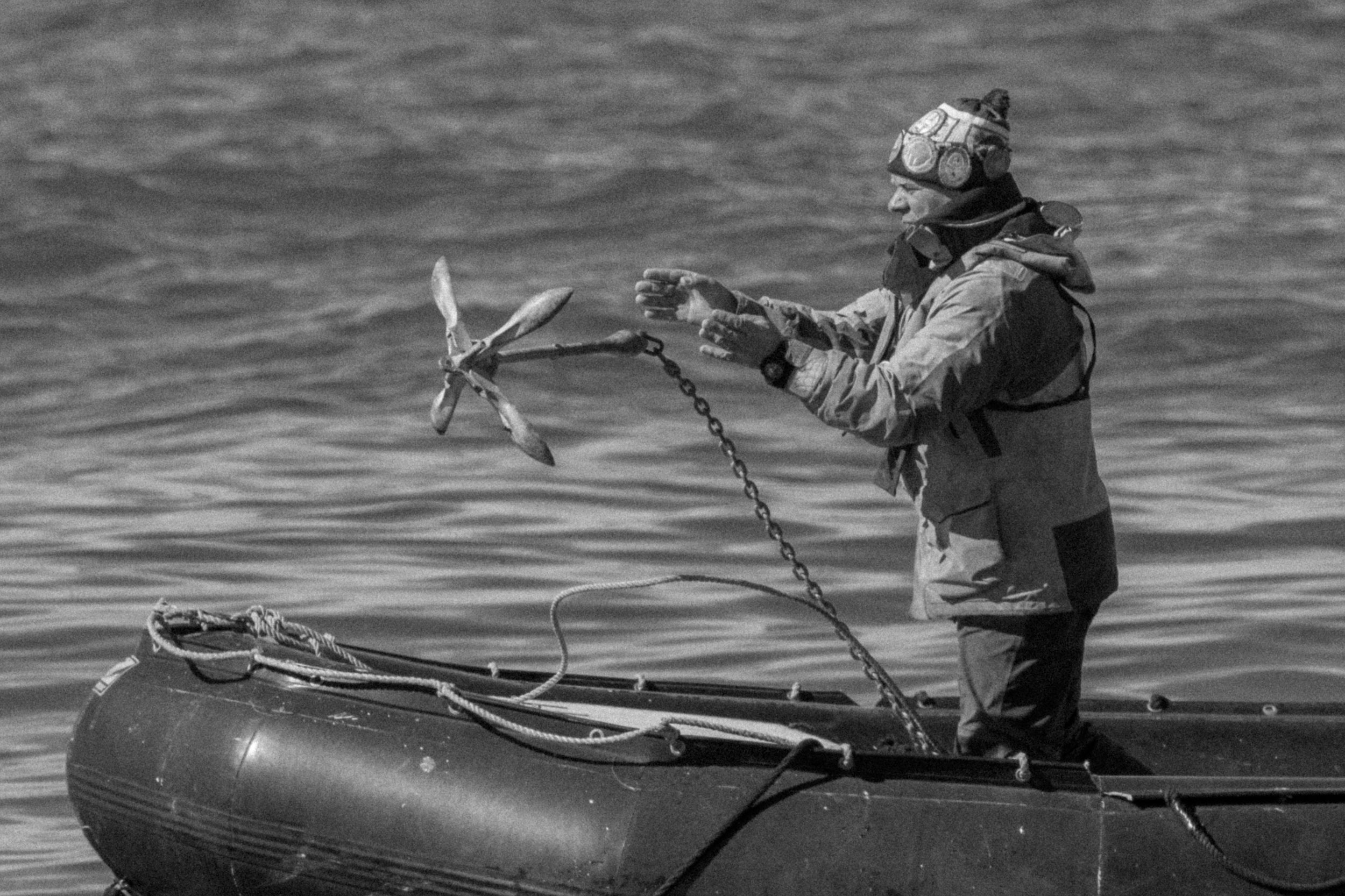 Konstantin Setting Anchor
