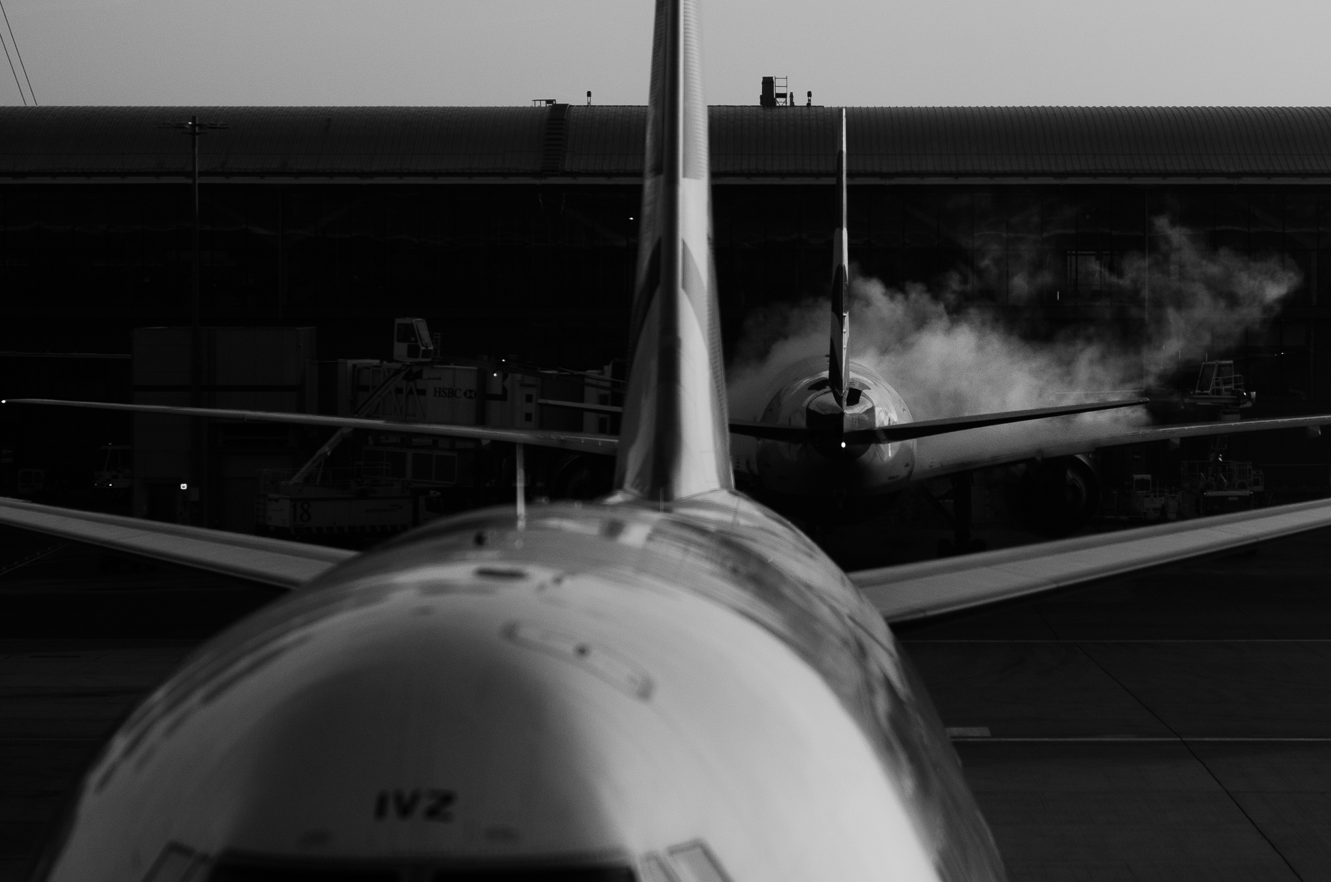 De-icing jets before flight, Heathrow T%