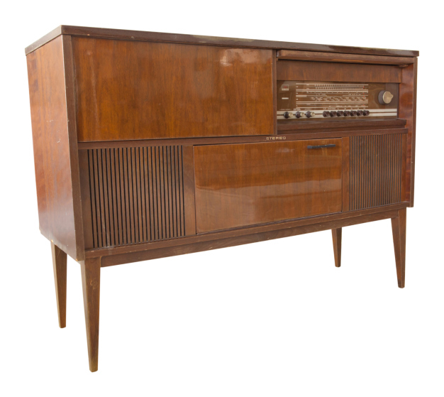 Does this old stero console have any gold inside? No, but other old items do. Image Credit: Withaya/iStock/Thinkstock.