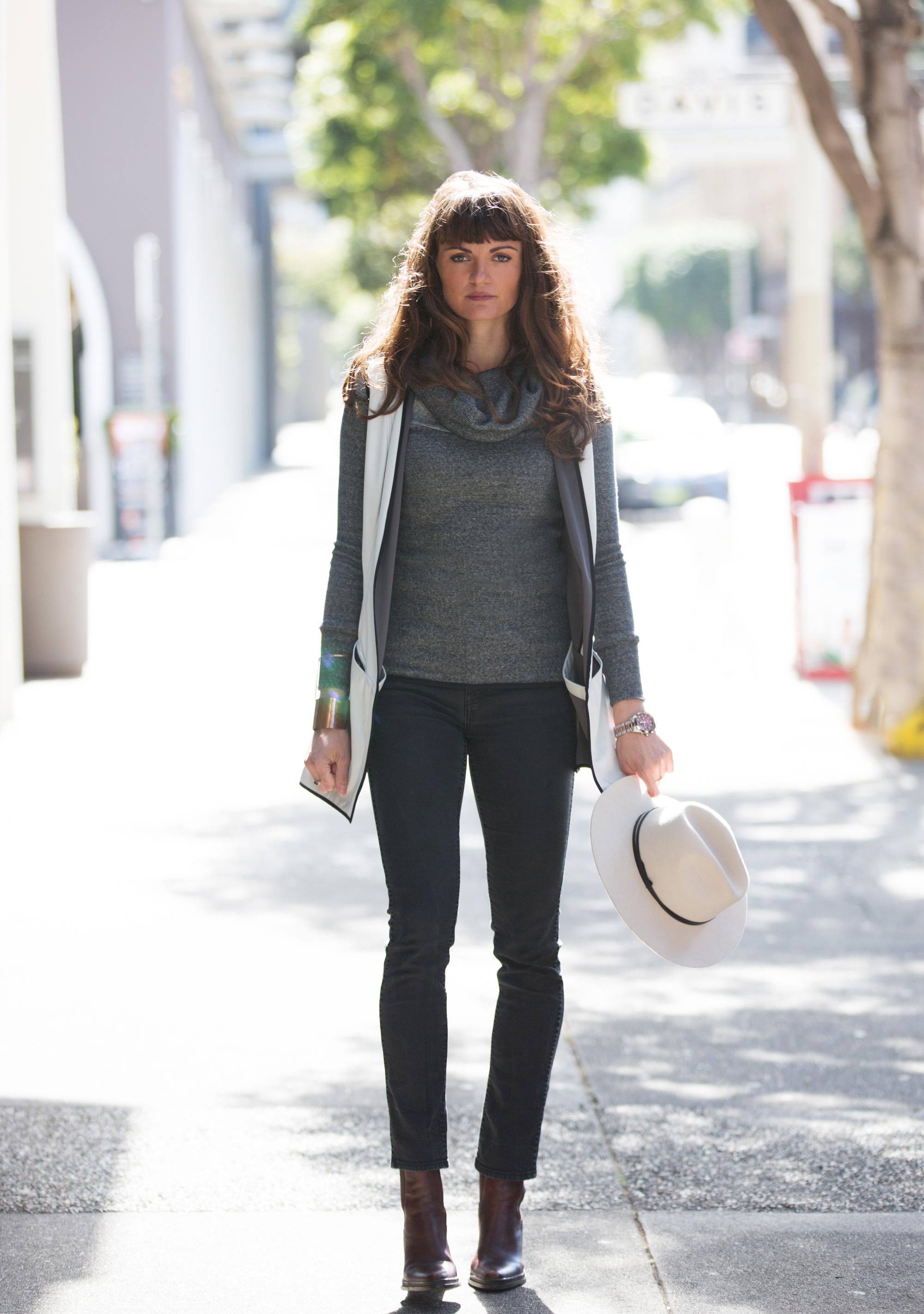 On Maja:  Olivier Sweater  |  K  atya Vest   |  Rogue Hat   |  Manhattan Tote Bag