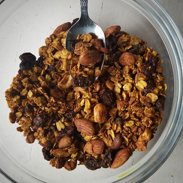 I made a homemade Curried Peanut Butter granola this morning without a recipe. Mind you, I'm not a baker! Lol  __________________________________________________________________  This is what I learned: If it's in the oven and it smells great, pull it out immediately because in a minute or two, it's about to burn!! 🙈😂 Sooooo yeah.... It still tastes pretty GOOD! But, it's got good texture, but a slightly burnt taste to it. (( @thedamonvalley says it works with the curry spices. He's so sweet. )) __________________________________________________________________  Baking can be hard for me because it A) requires, remaining in the kitchen to periodically check on things and B) enables me to forget that I'm cooking something because it's not out on the stove for me to see. Y'all, I'm EASILY distractible!! __________________________________________________________________  Anyway, this was very easy to make. I skimmed what other people were doing with theirs and romantically😍, I followed my heart based on what I had on hand and what I felt like I wanted to put in there. Would I do it again? Yes! Granola is super expensive at the store, shoot!! 🤷🏿♀️❤️ __________________________________________________________________  What's your favorite granola?