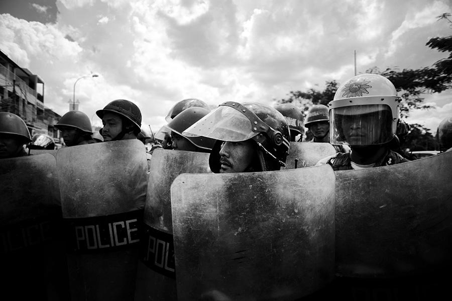 004_CambodianPolice2.jpg