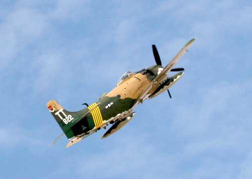 A-1_Skyraider_107.jpg