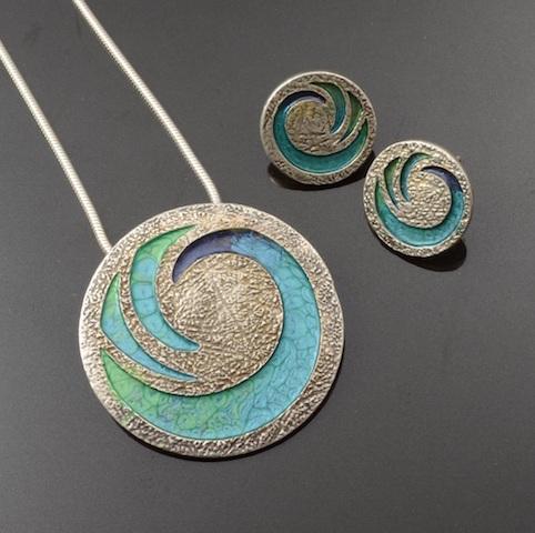 Tracey-Spurgin-metal-clay-00-Crafworx-metal-clay-jewellery-school-Pebeo-class..jpg