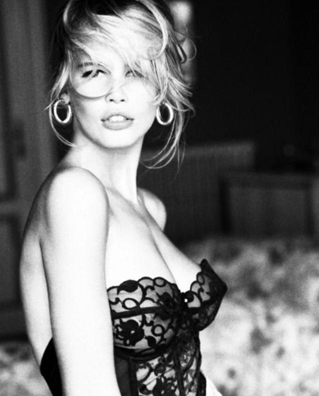 Claudia Schiffer shot for GUESS, 1991