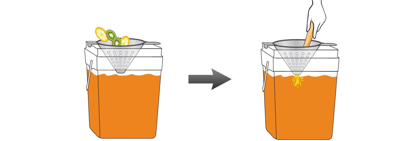 CQ-Lemon-Kiwi-Iced-Tea-Recipe-Step-4-Infusing-Water-Fresh-Lemon-Kiwi