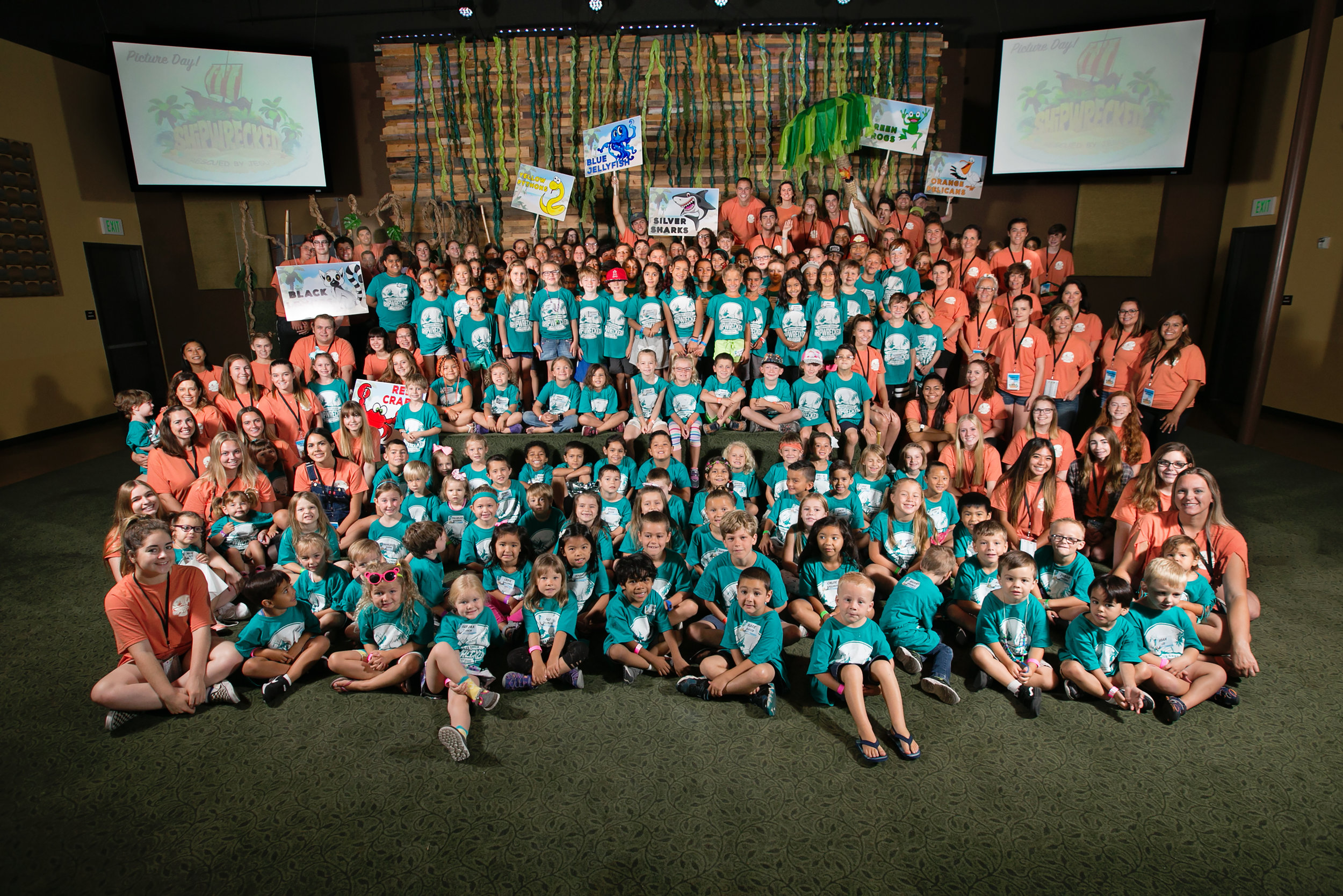 VBS 2018 Group Pic.jpg