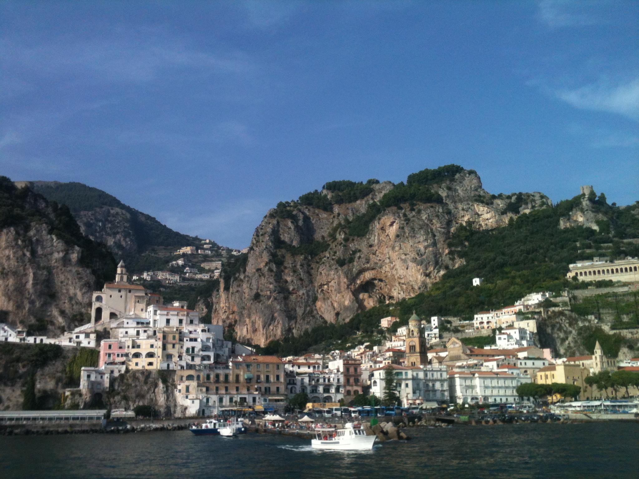 Sailing into the gorgeous Amalfi Coast