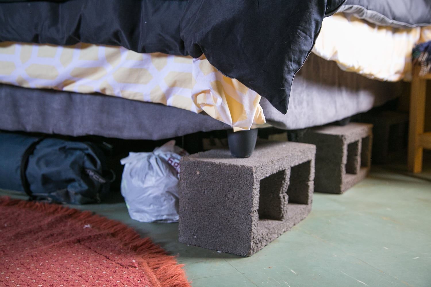Free concrete blocks to lift my bed and create a space for storage.