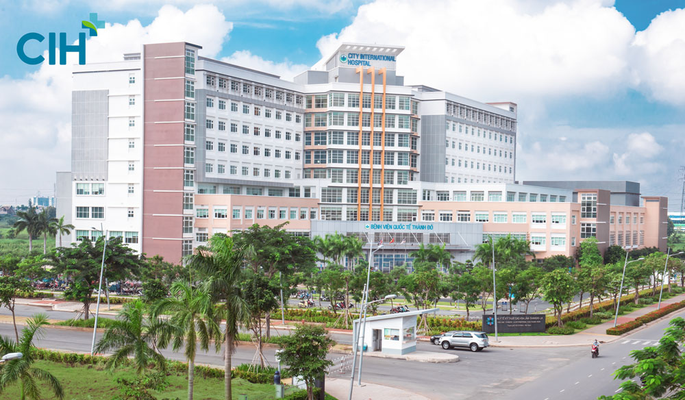 Chụp hình bệnh viện CIH. Ảnh: MAKI.vn