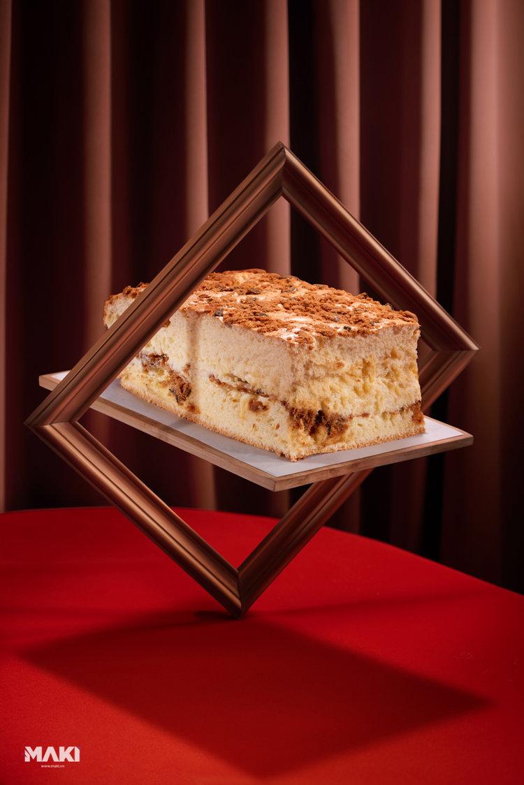 Chụp ảnh món ăn cho Grand Castella. Ảnh: MAKI.vn