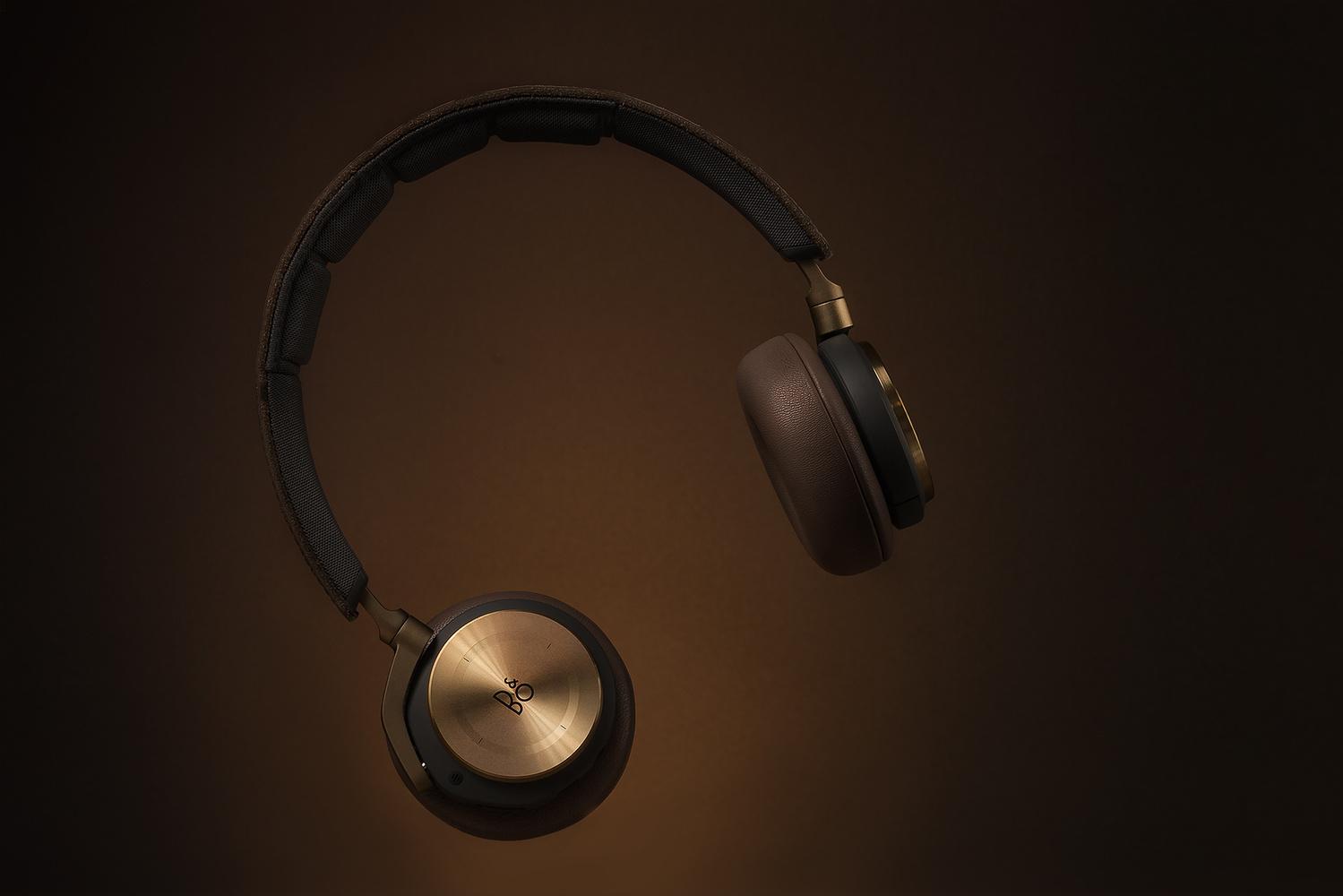 bo_headphones_3.jpg