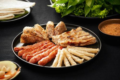 Chụp ảnh món ăn. Ảnh: MAKI.vn