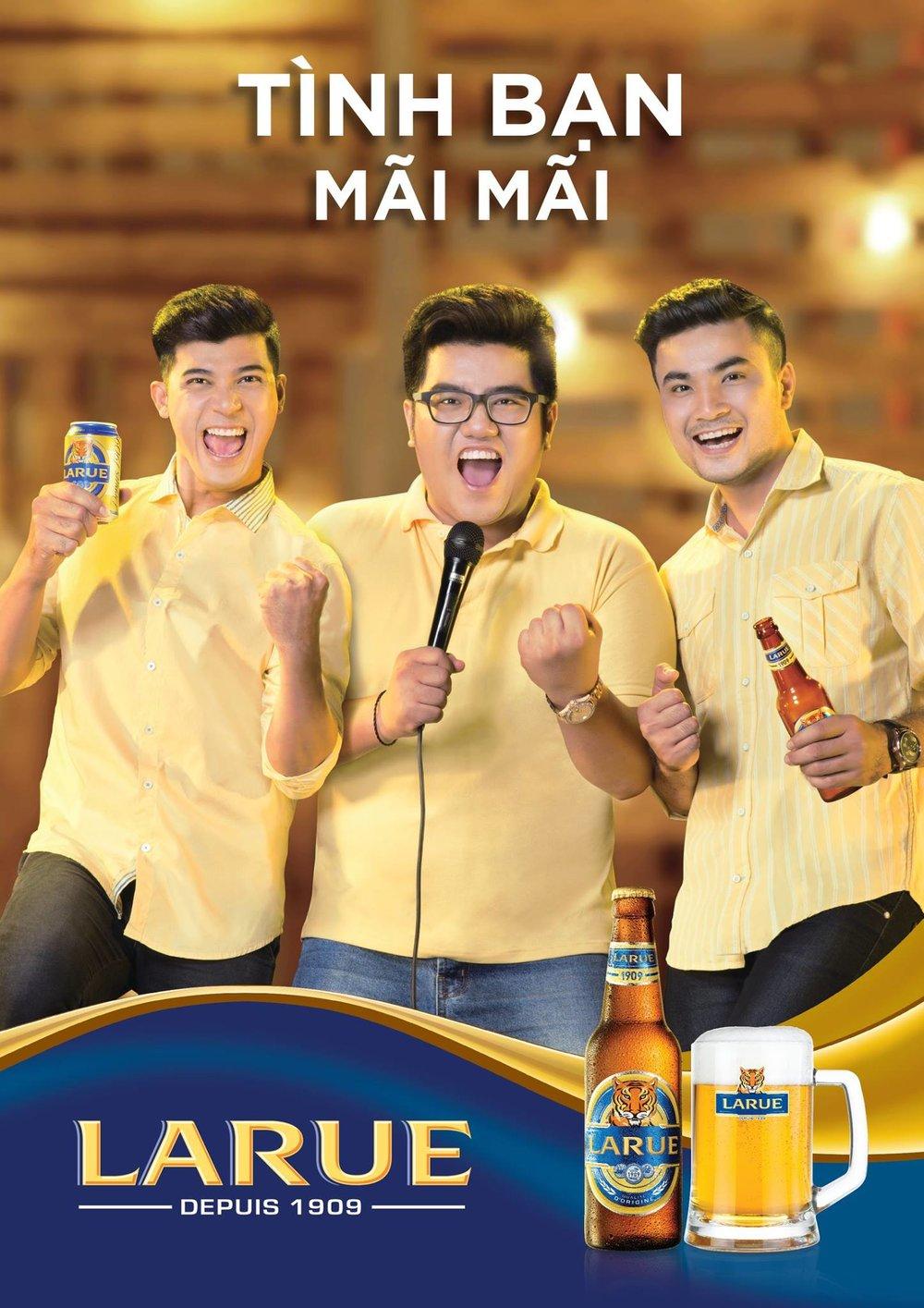 Chụp ảnh quảng cáo sản phẩm bia Larue. Ảnh: MAKI.vn