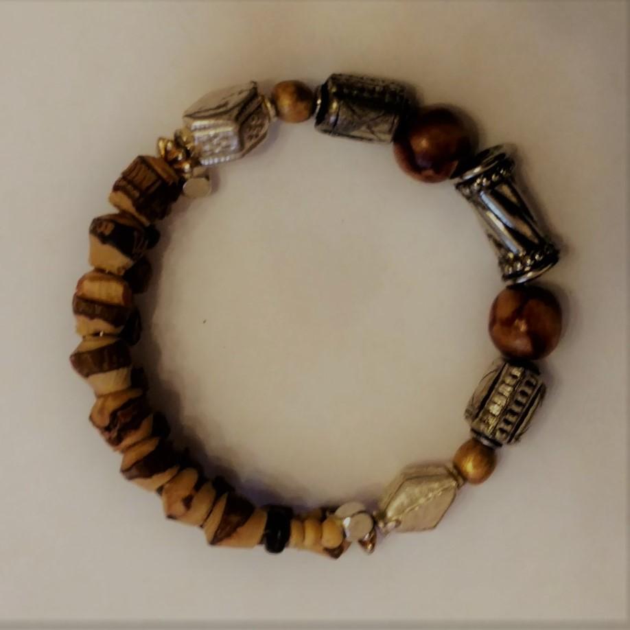 #L&L 181226 Bracelet  Suggested $10 USD