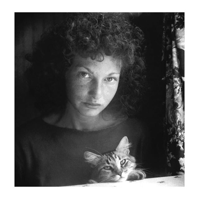 Maya Deren (April 29, 1917 – October 13, 1961), born Eleonora Derenkowska (Ukrainian: Елеоно́ра Деренко́вська), was a Ukrainian-born American filmmaker and one of the most important American experimental filmmakers and entrepreneurial promoters of the avant-garde in the 1940s and 1950s. Deren was also a choreographer, dancer, film theorist, poet, lecturer, writer, and photographer. #mayaderen #filmmaker #choreographer #experimentalfilm