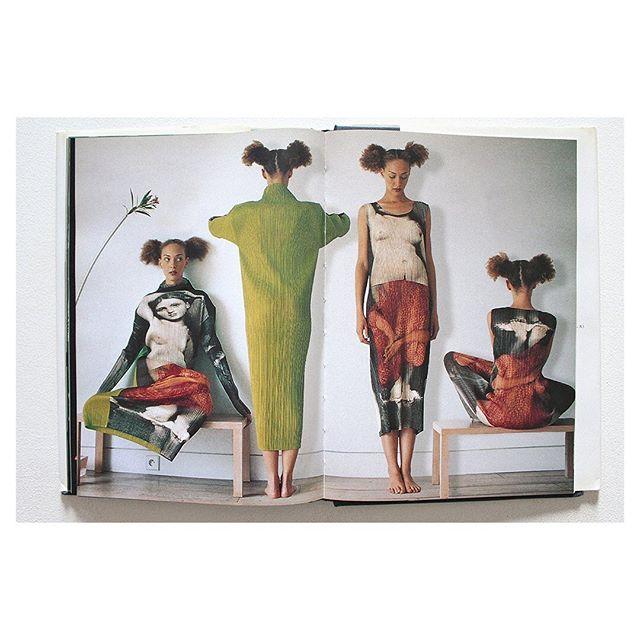 #1  Issey Miyake Fall/Winter, 1996 Artwork by Yasumasa Morimura 📷 ??? #IsseyMiyake #90sfashion #fashionad #japanesefashion # ChrystelleSaintLouisAugustin #artdirection #pleatsplease #YasumasaMorimura