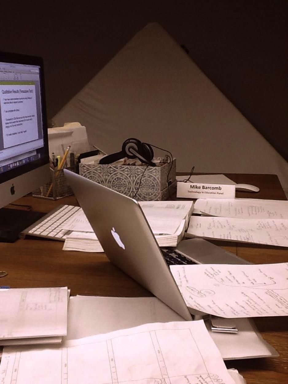 Desk Float.png