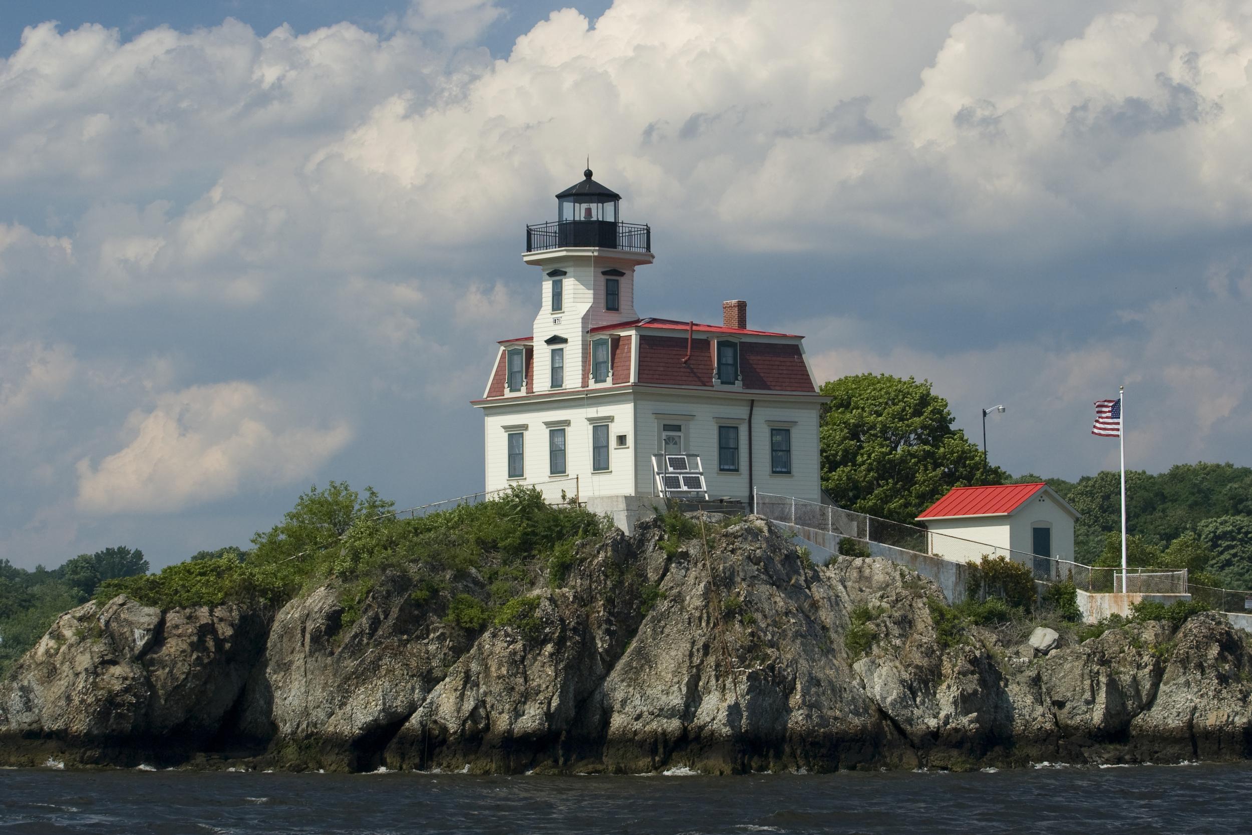 The Pomham Rocks Lighthouse