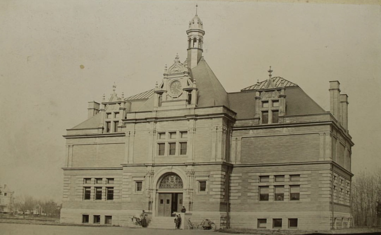 The Museum, which first opened in 1896, was designed by the same PVD architects, Martin & Hall, responsible for the  original    Classical High School, the Shepard building downtown, and Belton Court in Barrington.  Photo Courtesy Of The  Museum Of Natural History, RWP Instagram