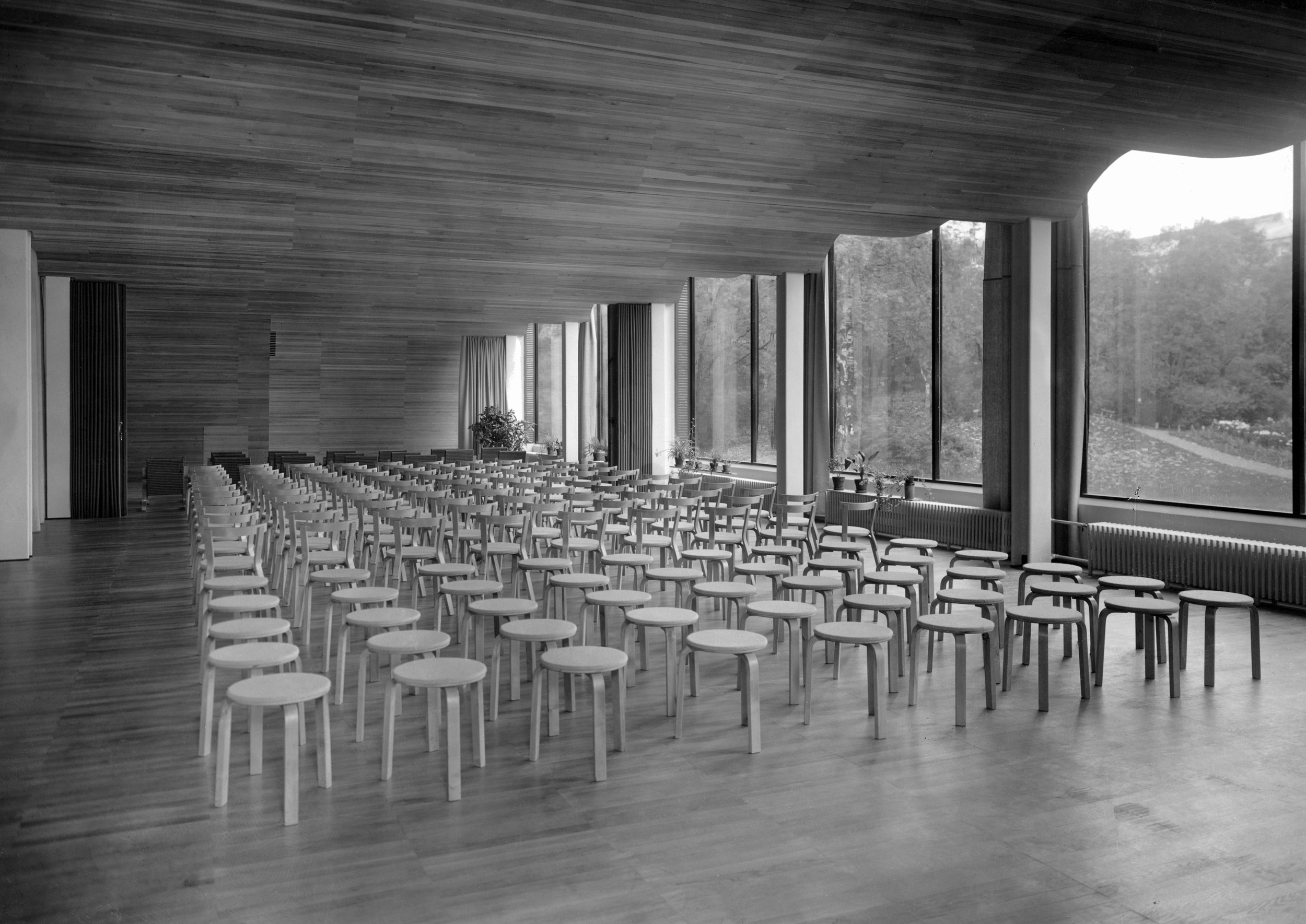 AALTO_43-004-112_Luentosali, Kuva Gustaf Welin, Alvar Aalto–museo 1935 copy.jpg