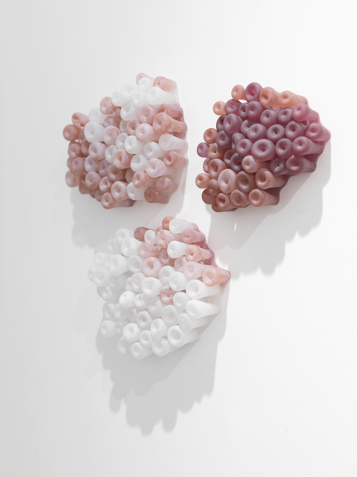 Renata Jakowleff: ESR, 2014, Blown pink glass© Christian Jakowleff