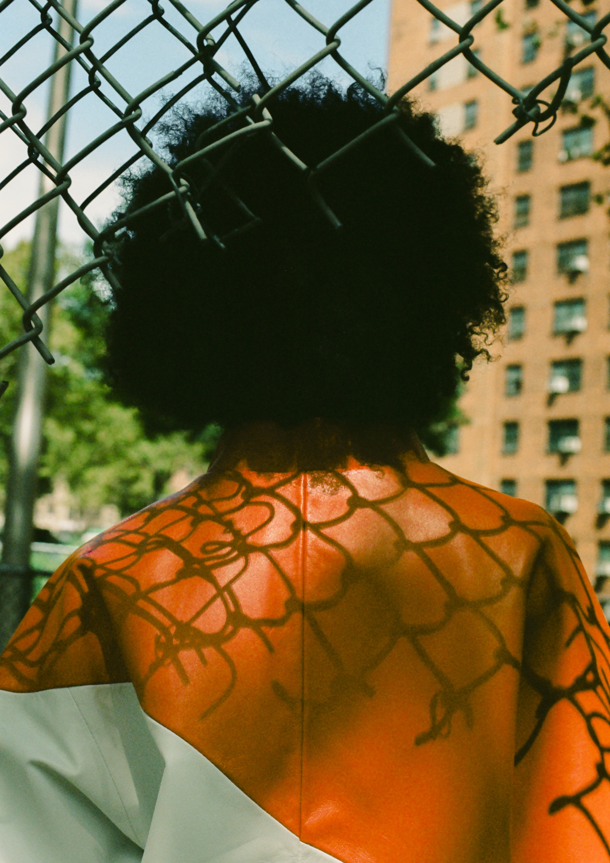 Irene Kostas, the founder and designer of ONAR –a Helsinki-based sustainable shearling and leather brand, stayed in New York as FCINY's artist-in-residence in May and June 2017. During her two-month residency she designed the upcoming SS18 Movement collection. The campaign images were shot in Harlem later that summer.