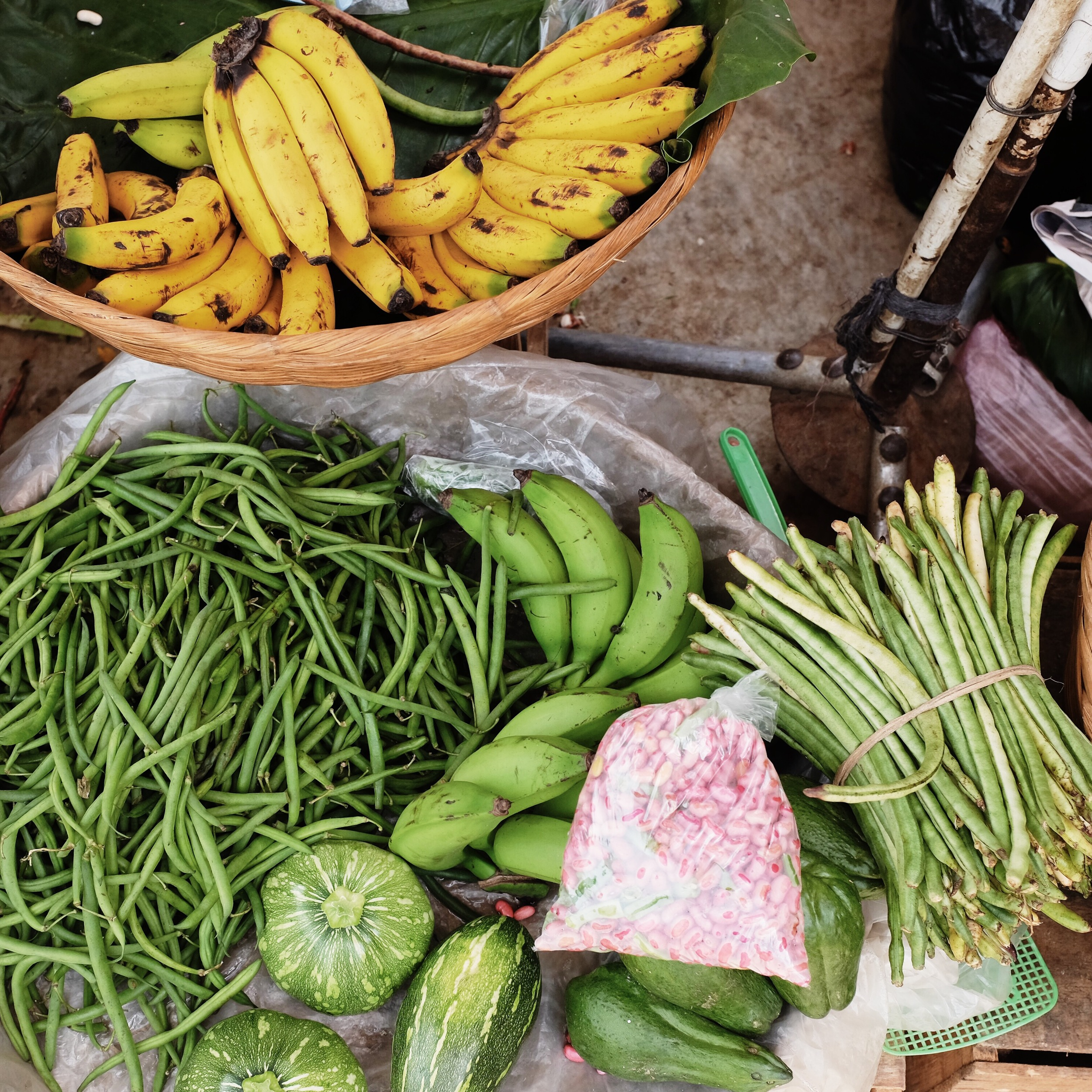 The market at Nahuizalco is a great location to take photos. It is filled to the brim with bright colors, produce, and activity.