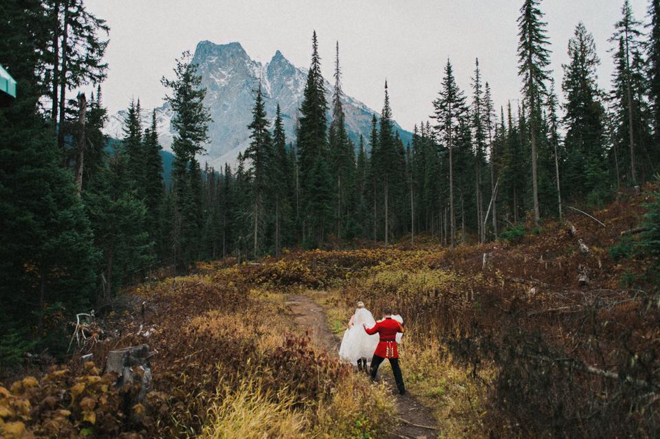 Emerald Lake Lodge wedding photography