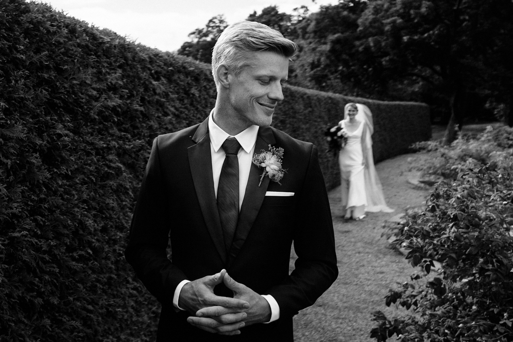Suitopia Suits Ottawa groom wedding portrait.jpg