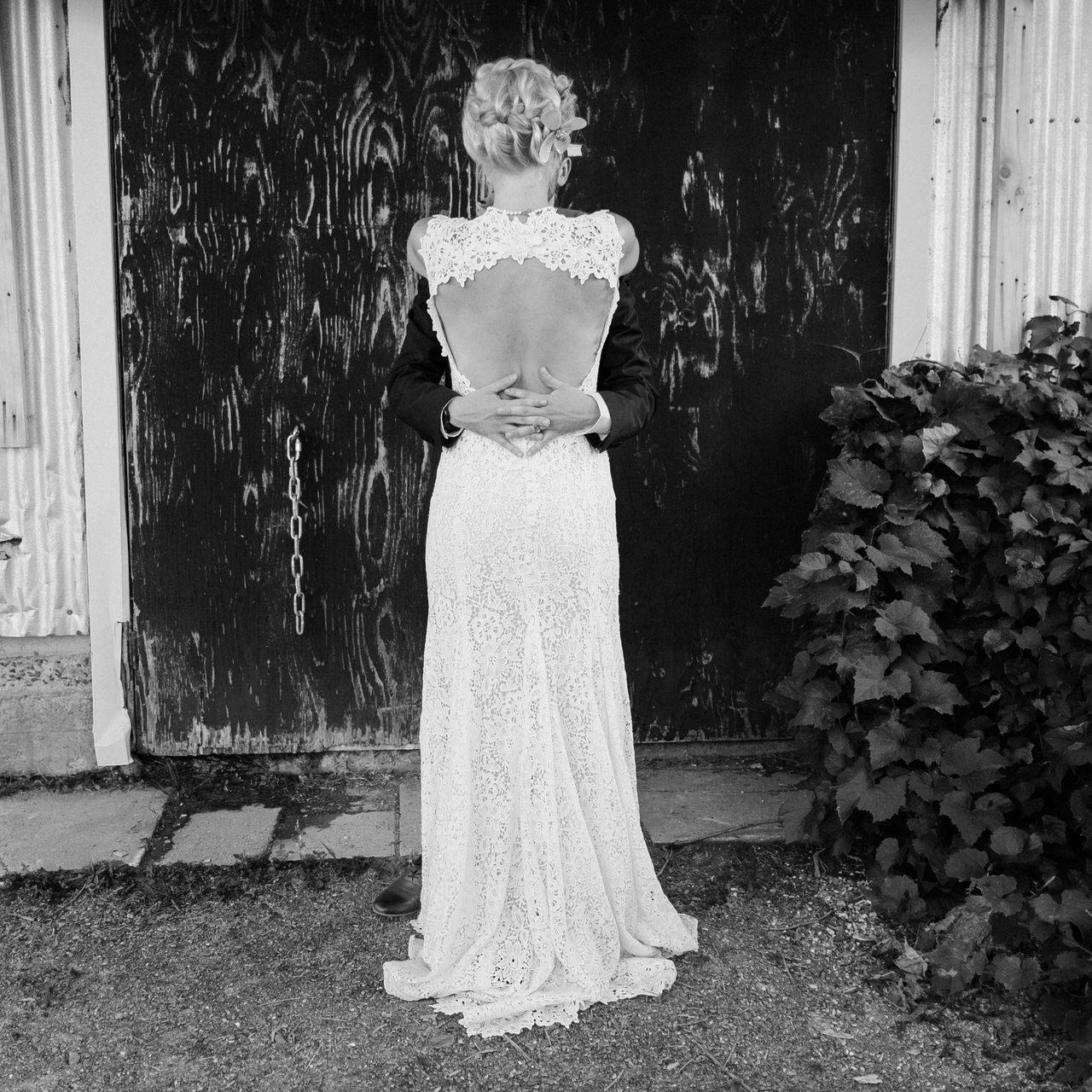 gorgeous Monique L'hullier dress, bride and groom wedding.jpg