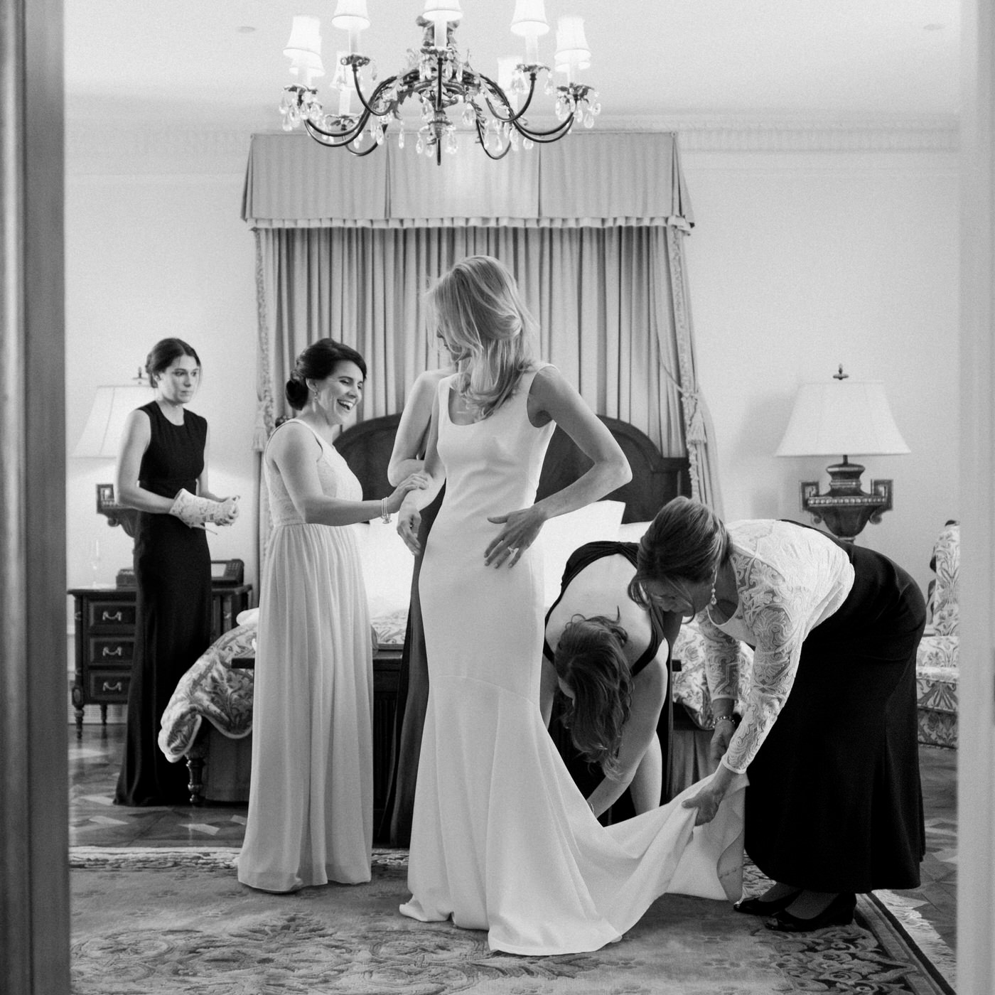 L'auberge Saint-Gabriel wedding bridal wedding dress portrait.jpg