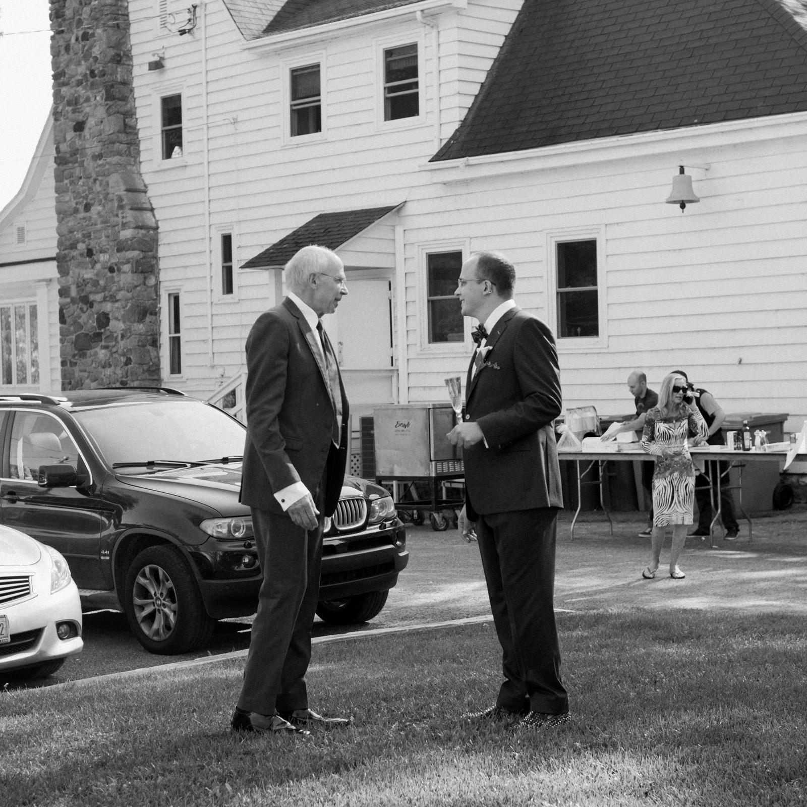 Groom and his dad at Fritz Farm wedding in Baie-d'Urfe.jpg
