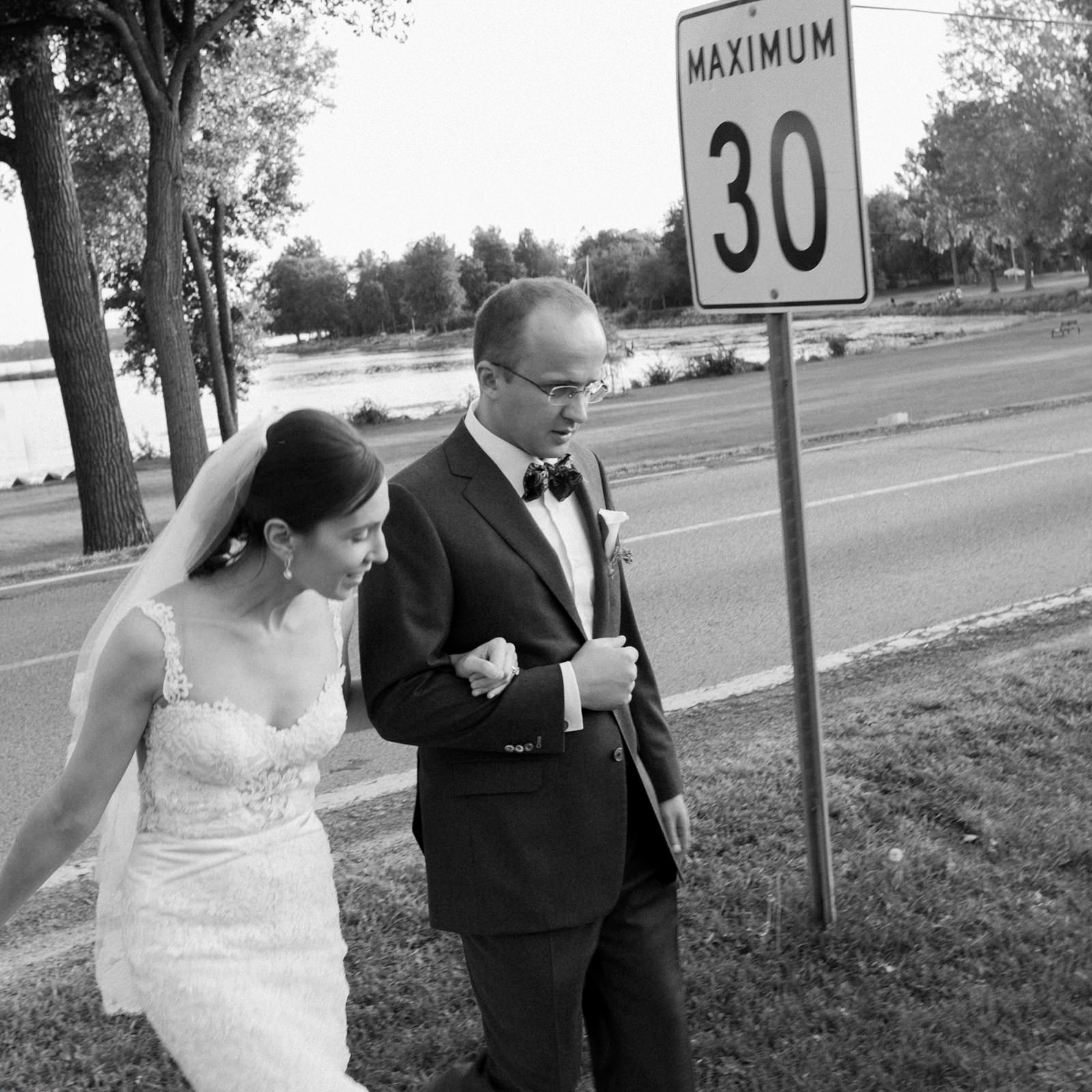 Baie-d'Urfe Fritz Farm wedding, Montreal bride and groom portrait.jpg