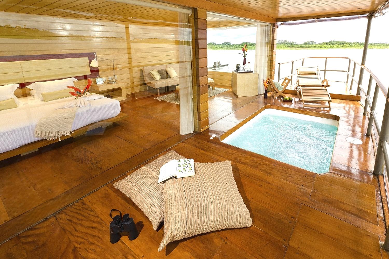 luxury honeymoon cabins